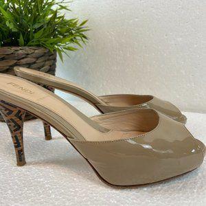 Fendi vero cuoio stiletto mules Logo Heels Sz 7